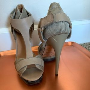 L.A.M.B. Charon Platform T strap khaki heels sz. 6